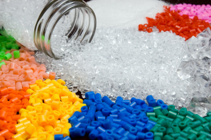 Using Vibration to Reduce Material Cost and Increase Profit Margins in the Plastics Industry